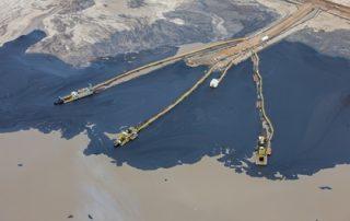 בריכות הפרדת נפט מחול בחולות הזפת של קנדה