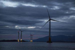 טורבינות רוח של 'סטאטאויל' בים, סקוטלנד