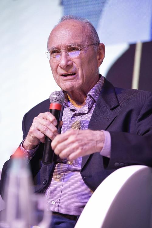 מר עוזי לנדאו, שר האנרגיה לשעבר