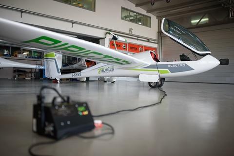פיפיסטרל מטוס חשמלי
