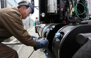 תדלוק משאית בגז טבעי נוזלי