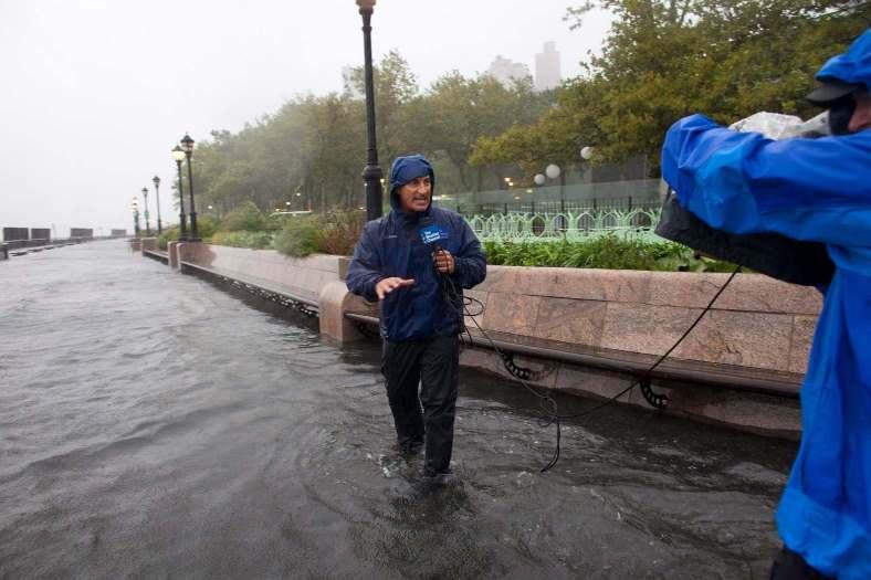 ג'ים קנטור מדווח על הוריקן איירין