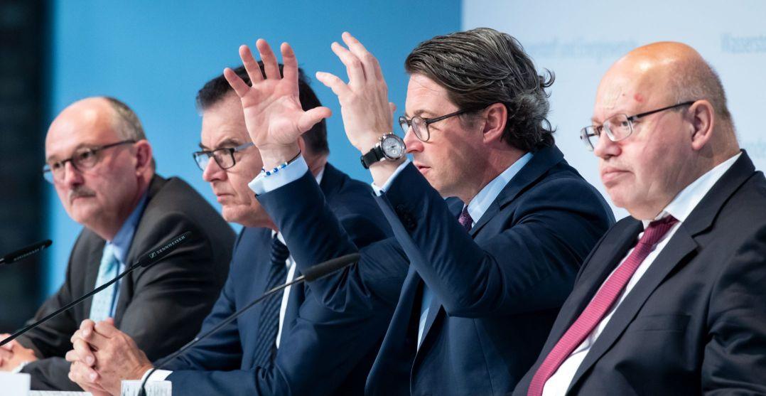 שרי הממשלה בגרמניה בחתימת ההסכמים
